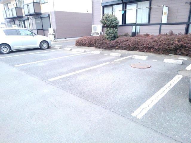 ファミールフジA 02030号室の駐車場