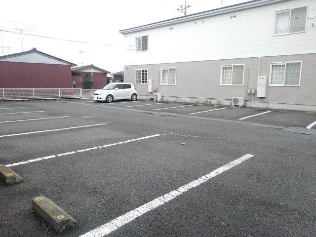 エランドールC 02030号室の駐車場