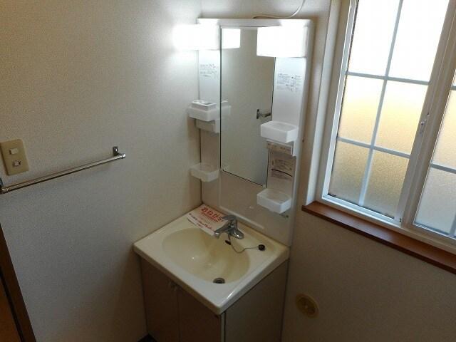 コーポ太陽Ⅰ 01030号室の洗面所