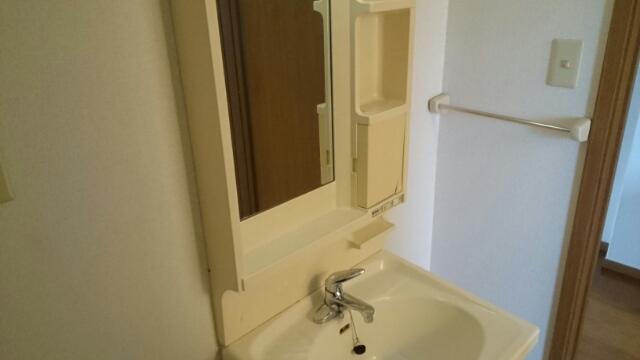 フロレスタⅠ 101号室の洗面所