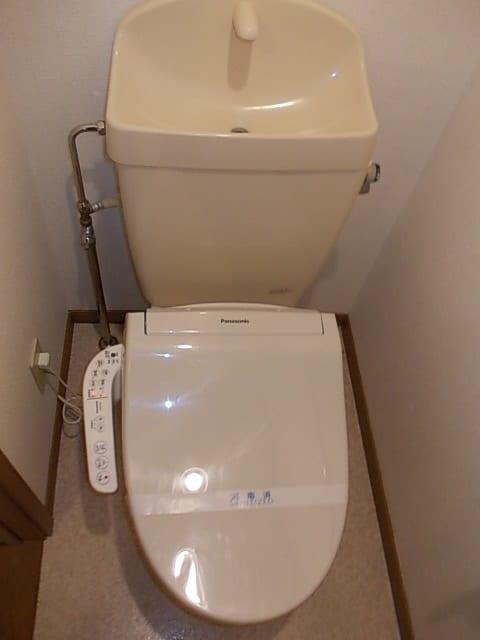 フロレスタⅠ 201号室のトイレ