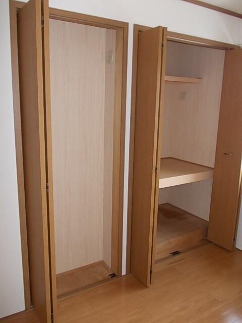 フロレスタⅠ 201号室の収納