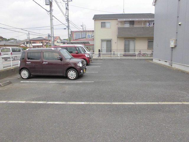 シルエーラ 02030号室の駐車場