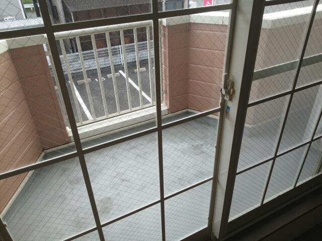 アップルハウス 205号室のバルコニー