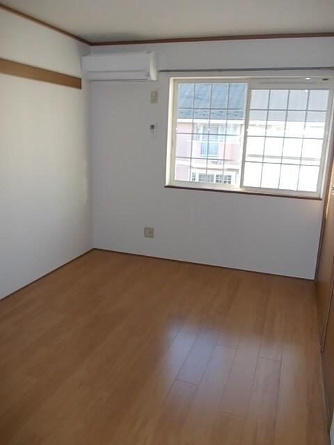 サンローレルⅠ 203号室の収納