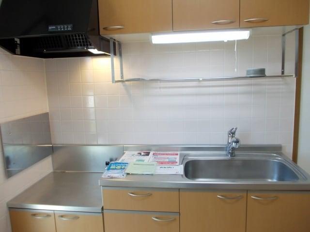 コスモスB 203号室のキッチン
