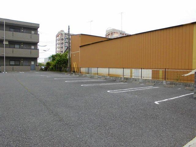 サニーヒル上土戸 01020号室の駐車場
