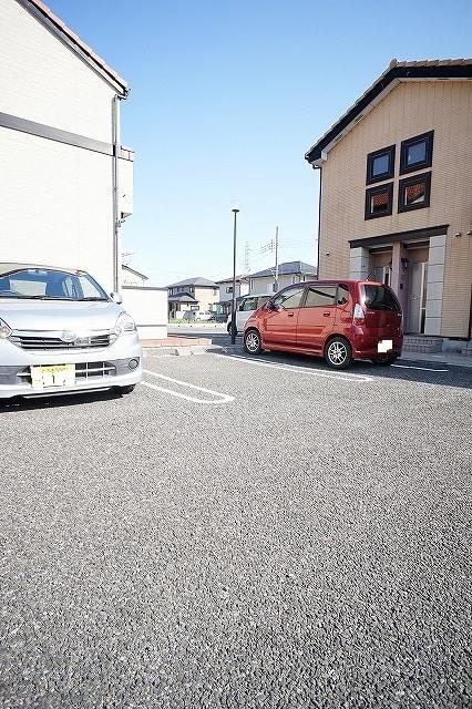 セレーノ C 02010号室の駐車場