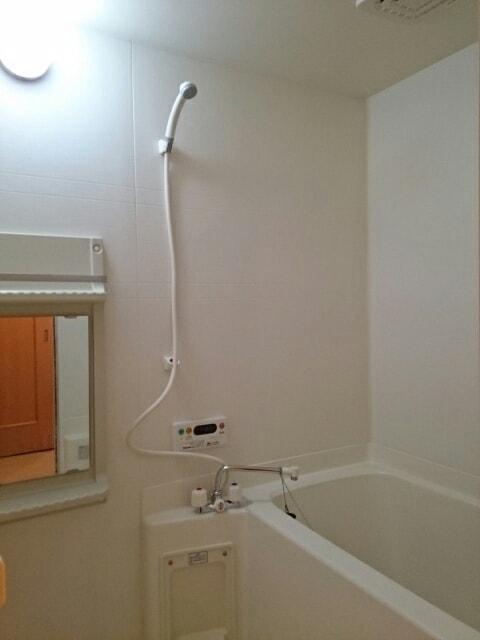 エストレーノ豊が丘 106号室の風呂