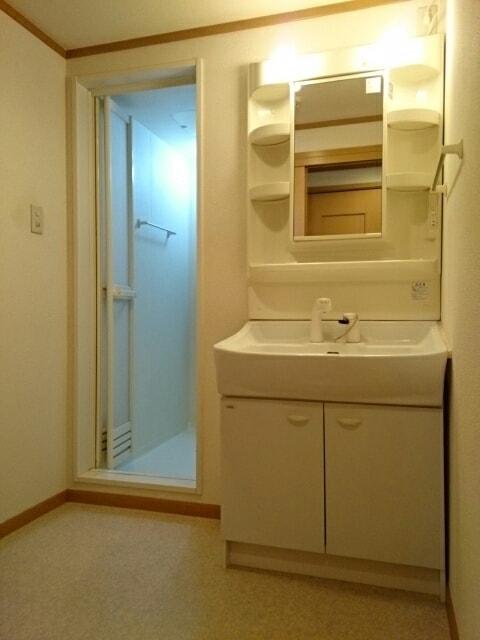 エストレーノ豊が丘 106号室の洗面所