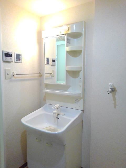 ラ・メゾン カシュ 02030号室のトイレ