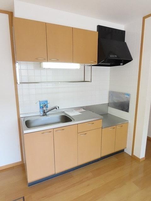 メゾン・ソレイユ A 01010号室のキッチン