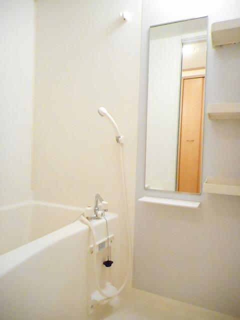 グランドール・CoCo 02020号室の風呂