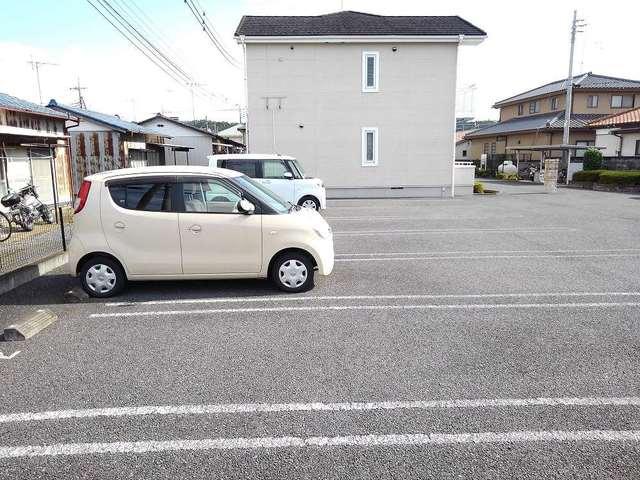 ポリッシュ・メゾン B 02020号室の駐車場