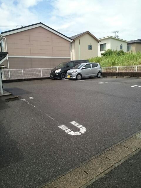 コラ-ジュ88 102号室の駐車場