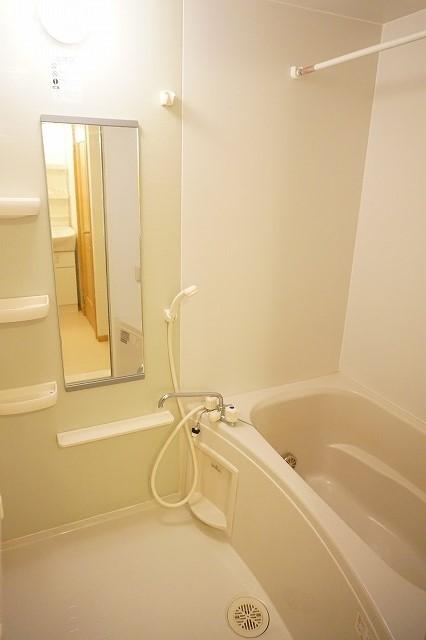 サニーフィールドからたちA 02010号室の風呂