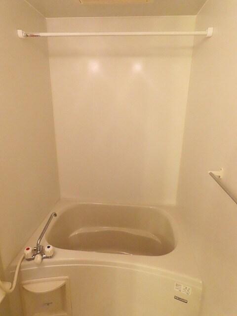 メゾンベルかたくり 01040号室の風呂