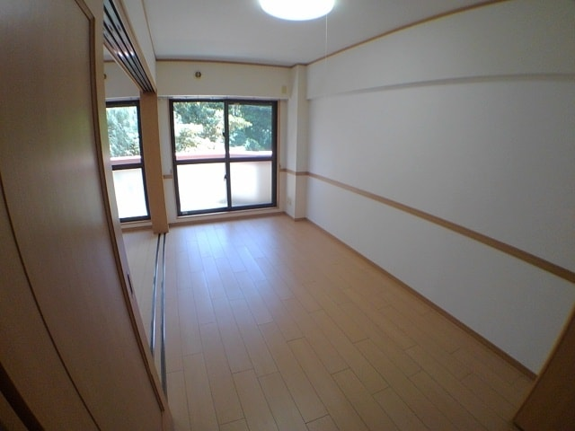 サン ハウス 302号室のリビング