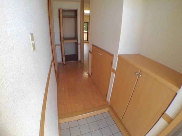 サン ハウス 302号室の玄関