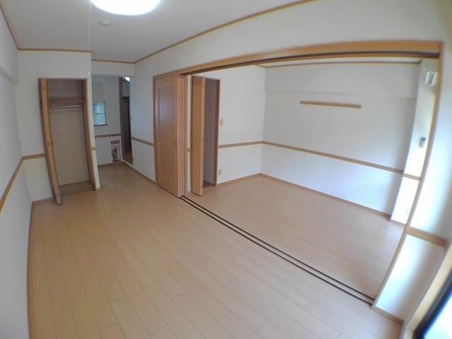 サン ハウス 302号室の収納