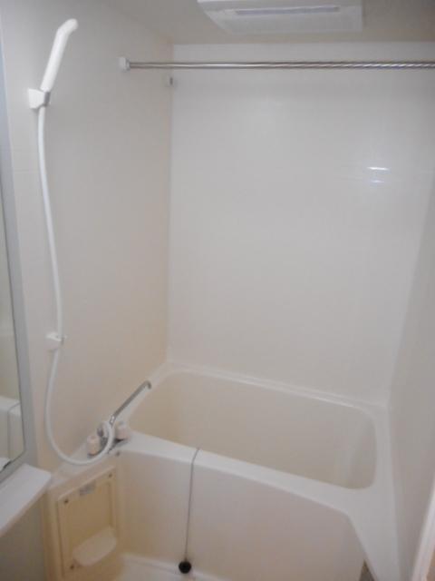 ブリーズ・アヴェニュー 02010号室の風呂