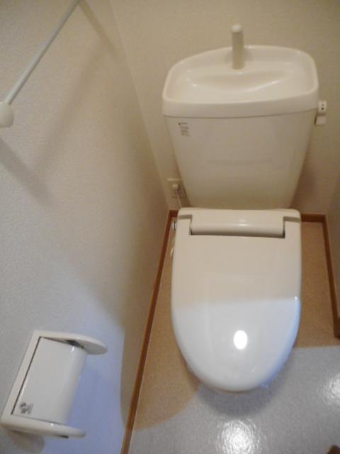 ブリーズ・アヴェニュー 02010号室のトイレ