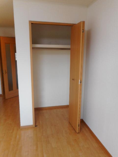 ブリーズ・アヴェニュー 02010号室の収納