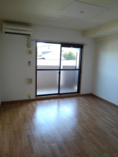 サン ビオラ 01030号室のリビング