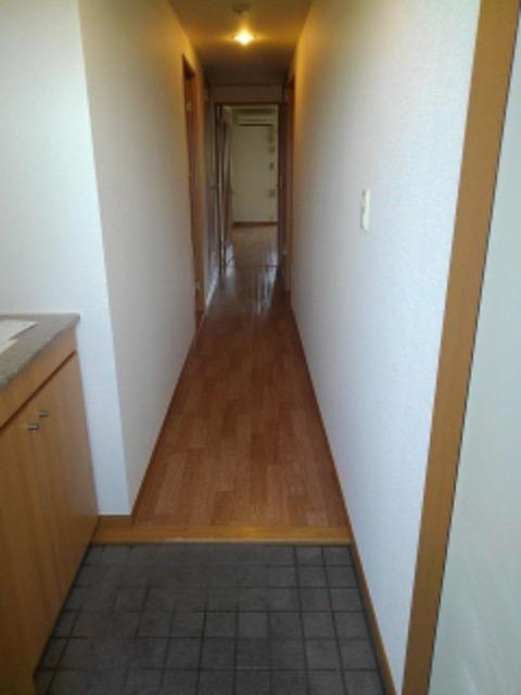 サン ビオラ 01030号室の玄関