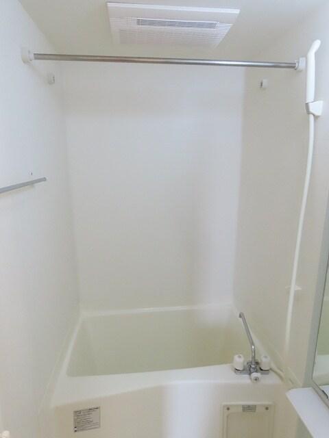アニュー アフェニティー 02020号室の風呂