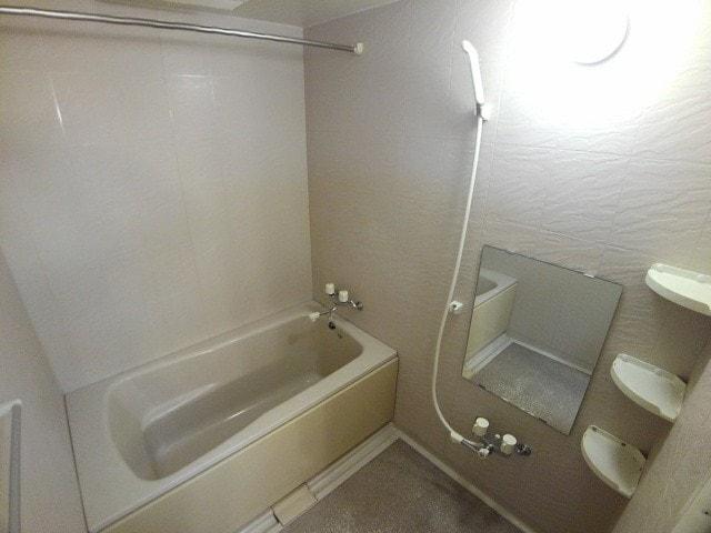 メゾン シリウス 402号室の風呂