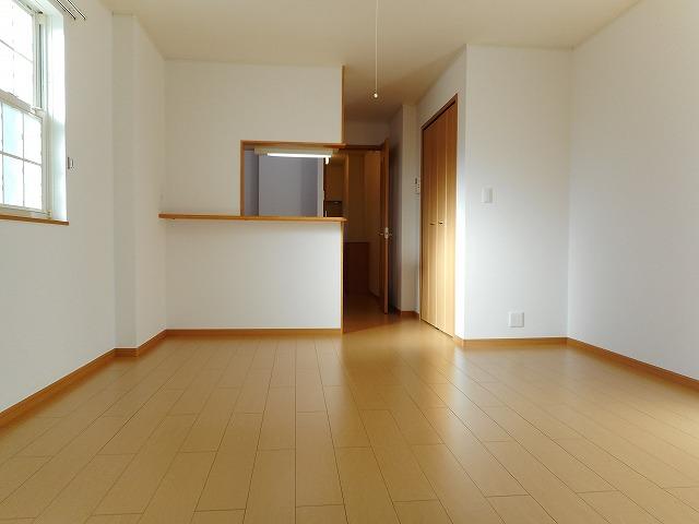 サンパティーク・レイ 105号室の居室