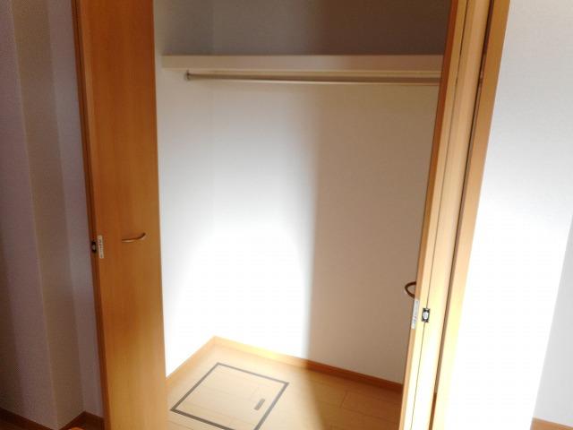 サンパティーク・レイ 105号室の収納