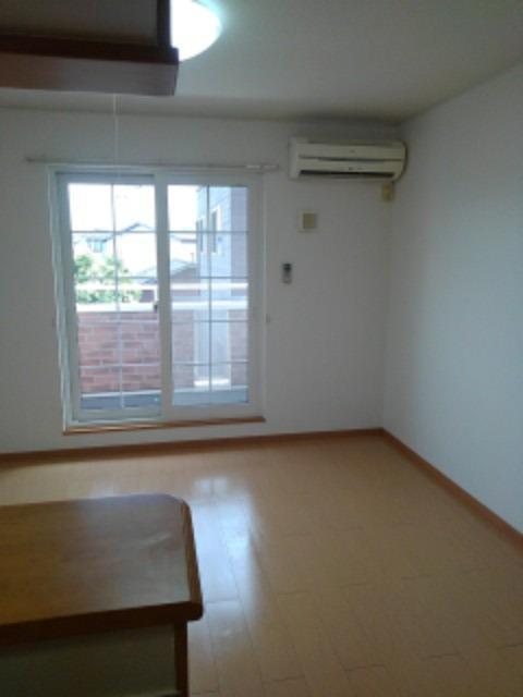 アベンシス5 02010号室のリビング
