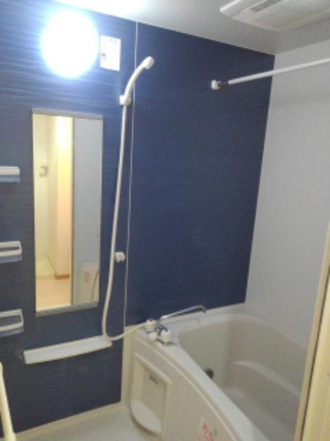 アベンシス5 02010号室の風呂