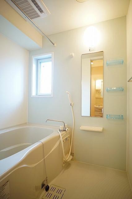 リュミエールB 01020号室のトイレ