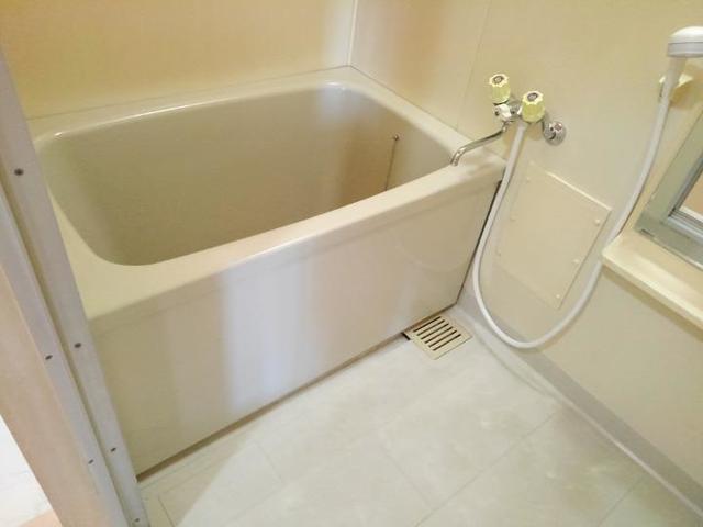 エステートKU 201号室の風呂