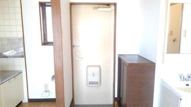 ライフサークルパート2 102号室の玄関
