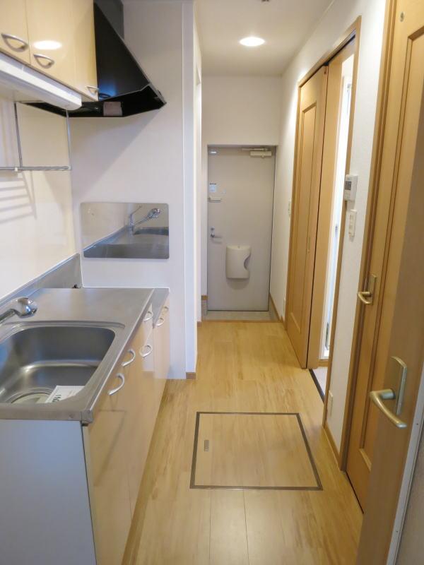 シャロル矢田 105号室のキッチン