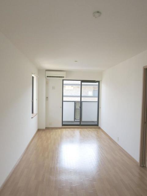 サニーフォレストC 201号室のベッドルーム