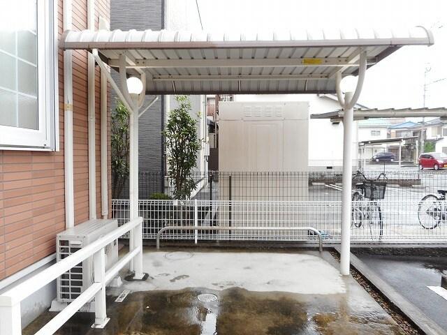 ラフレシールKM 01020号室の駐車場