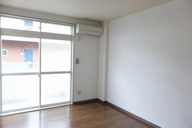 アクティブ田沢Ⅰ 01020号室の居室