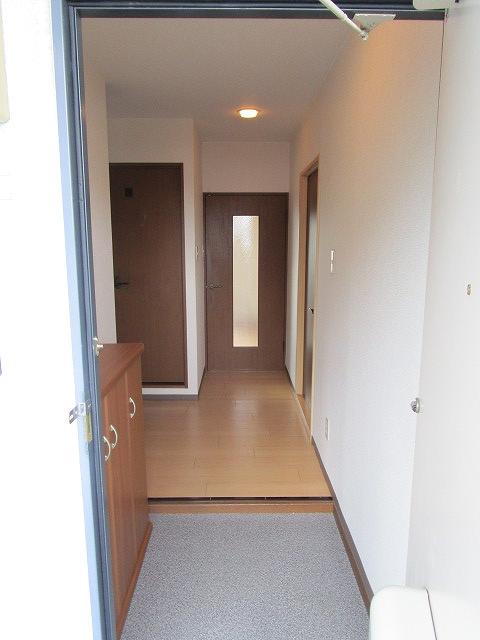 マーヴェラス湘南 02040号室の玄関