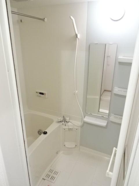 アイリス柿本B 205号室の風呂