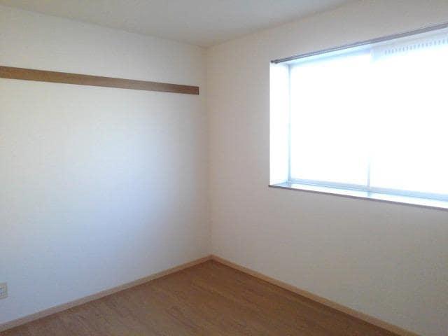ロイヤルエステート神明A 01020号室のベッドルーム