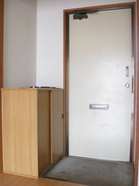 アメニティ大山A 102号室の玄関