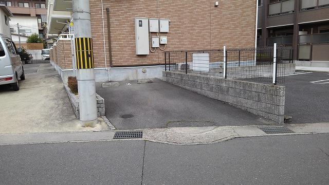ブランクレール 201号室の駐車場