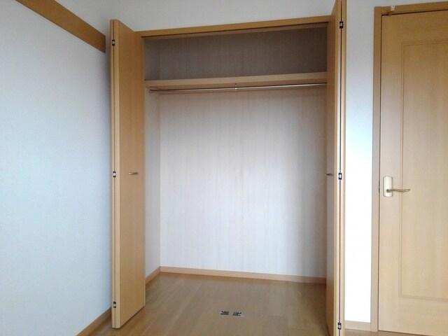 グランシャリオ 02010号室の収納
