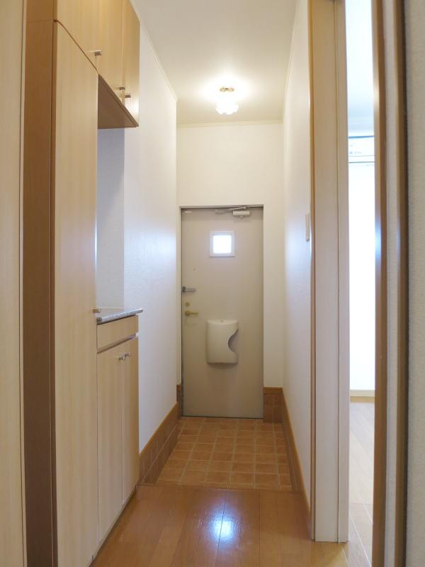 ファインA 101号室の玄関