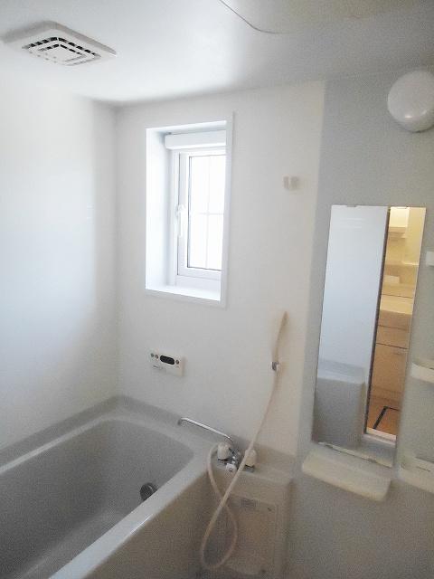 メゾン・アムール 201号室の風呂